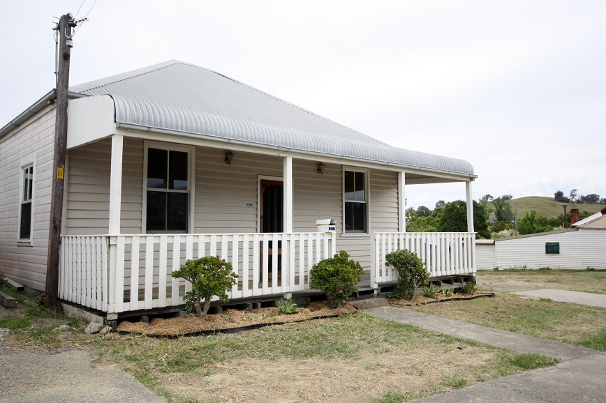 290-292 Dowling Street, Dungog